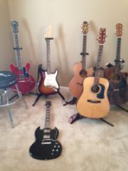 Rons Guitars 2018.png